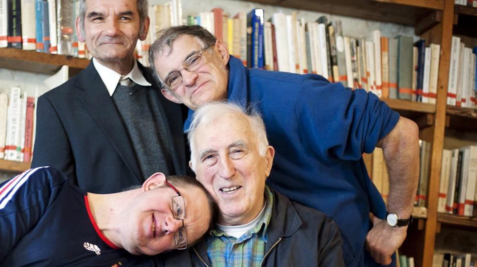 Jean Vannier, fondateur de l'Arche (communauté avec des personnes porteuses d'un handicap mental)